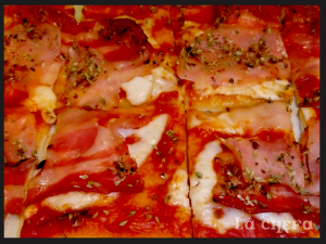 PIZZA BACON Y PAVO