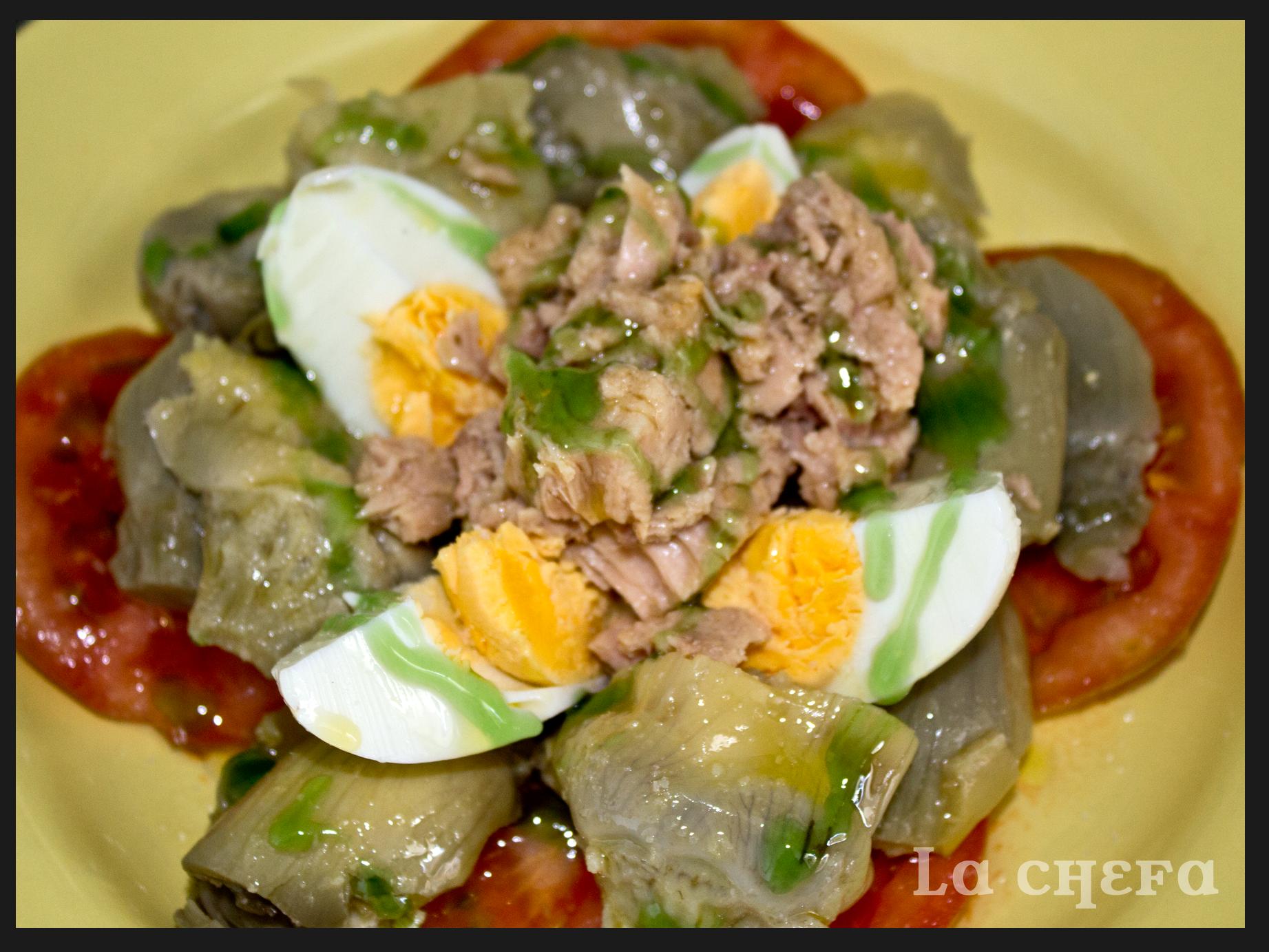 Ensalada de alcachofas y at n lachefa - Como hacer alcachofas en salsa ...