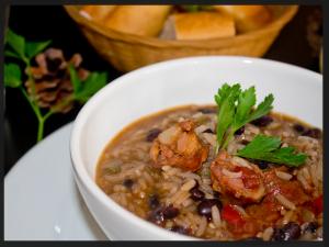 alubias-negras-con-arroz-y-chorizo